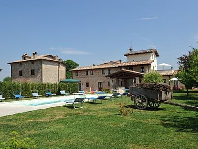 Photo for Villa Vezzosa C: A welcoming apartment that is part of a villa in the characteristic style of the Tuscan countryside, with Free WI-FI.