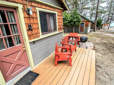 Lakeview Cabin Cozy 2BR Resort Cottage / Walk To Marinas & Village