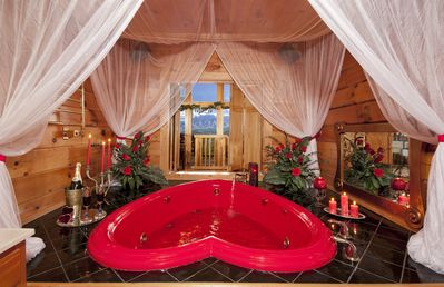 20% off until 16th-DOLLYWOOD lux Mountain  cabin,MtnView,HtTUB,Heart-Jcuz,5tvs,Xb - Pigeon Forge