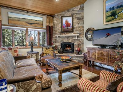 Photo for Remodeled Vail Point Townhome w/private hot tub/free shuttle BEST RATES