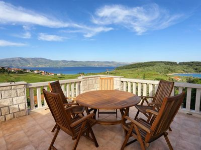 Photo for Two bedroom apartment with terrace and sea view Lumbarda, Korčula (A-4370-a)