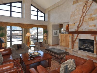 Photo for Prime Slopeside 1 Bedroom Penthouse with Jetted Tub