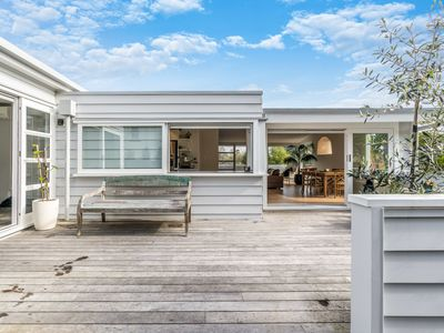 Photo for Stylish Bayside Retreat-Kohi (5min drive to Beach)