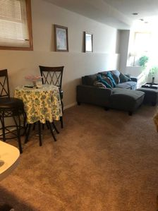 Photo for Cozy 2 bd close to restaurants and boutiques