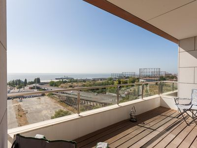 Photo for Expo View apartment in Parque das Nações with WiFi, balcony & lift.