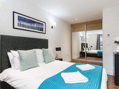 Photo for Modern Two Bedroom Apartment in Heart of London