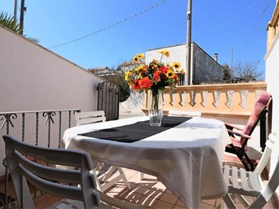 Photo for Pace apartment in Torre San Giovanni with integrated air conditioning, private terrace & balcony.