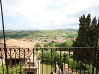 Excellent choice for those who appreciate local cusine, wine and expansive views