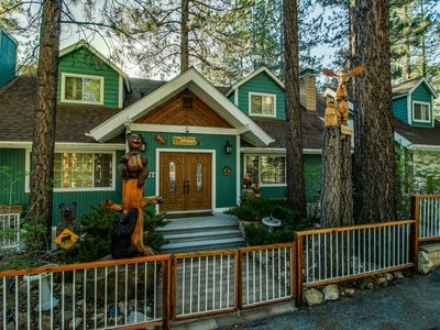 Photo for Beautiful mountain home for 10 close to ski slopes & lake