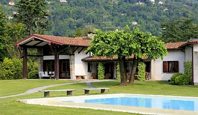 Photo for Villa Adelinda: A luxurious one-story villa located right on the Lake Maggiore, with Free WI-FI.