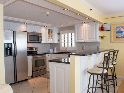 Photo for Remodeled Oceanfront Condo! (81st)- Wi-Fi & Wine Cooler, Walk 2 Dining & Shops