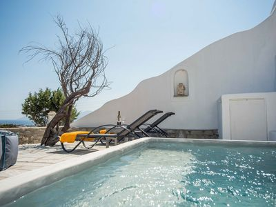 Photo for Villa Hope with privé jacuzzi in Paros