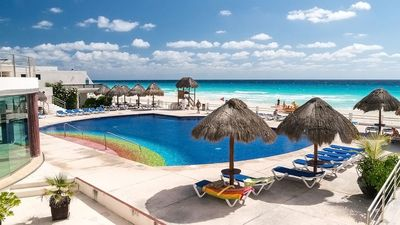 Family-size, Beach-front Penthouse in safe Gated-comunity Cancun