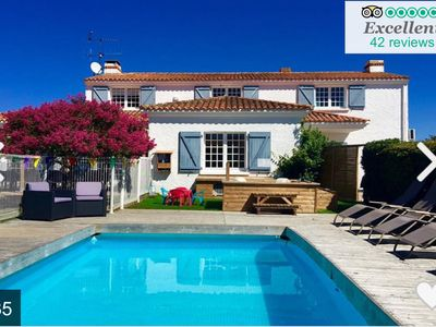 Photo for 6 bedrooms, Ideal for multi-generation families, 5* reviews, near sandy beaches