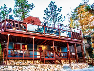 Walk to VLG! Renovated Rustic Retreat w/ Gorgeous Lake Views, Spa & Game Room