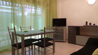Photo for Ground floor apartment with 2 bedrooms for 3/5 people in Salou  Gave