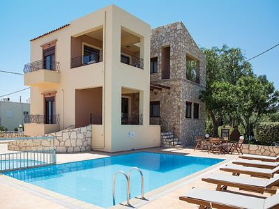Photo for Modern Villa w/pool & great sea views, 10 minutes drive from Chania