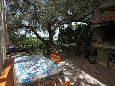 Photo for One bedroom apartment with terrace and sea view Makarska (A-6792-b)