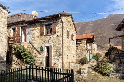 Casa Borgo, up to 1960 the former elementary school, today a cosy holidayhome
