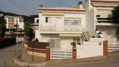 Photo for Lloret De Mar: Apartment  in beautiful residential zone with pool. Nice view sea.