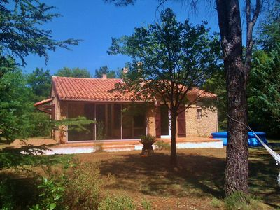 Photo for Detached house, Luberon, 750 € / week, wooded garden 1500m2 in Provence scrubland
