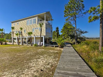 Photo for Riverfront Carrabelle Home w/Patio & Private Dock