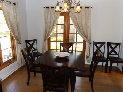 Close up of the expandable dining room table