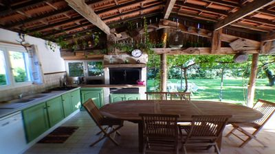 Photo for Villa with summer kitchen, terrace, private pool, barbecue, shaded ground