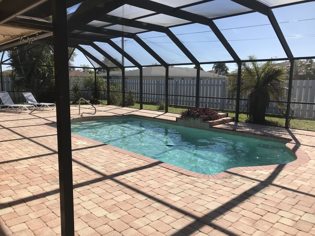 Pool Home In Cape Coral With Huge Screened Lanai Official Cape Coral Florida Fl Usa