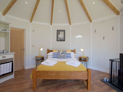 Photo for A lodge that sleeps 4 guests  in 2 bedrooms