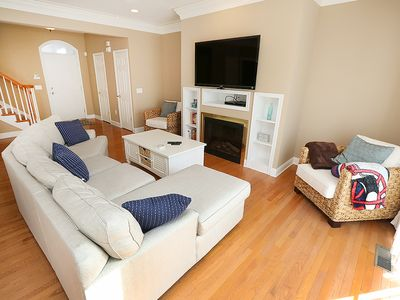 Photo for LH903: 3BR+den Loggerhead TH   Minutes to the beach   Stroll to dining!