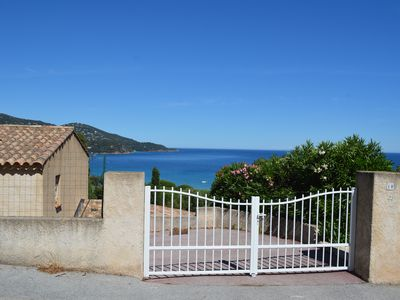Photo for Villa sea view 300m from the beach of Pramousquier
