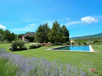 Photo for Splendid countryhouse 8-10 people with private pool in typical Tuscan style