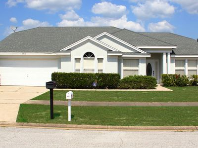 Photo for Family Friendly 3 Bedroom 2 Bath Pool home Less than 5 miles to Disney (3174)