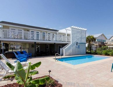 Photo for OCEAN FRONT, 7 bedrooms, SWIMMING POOL (heated if you want!)!