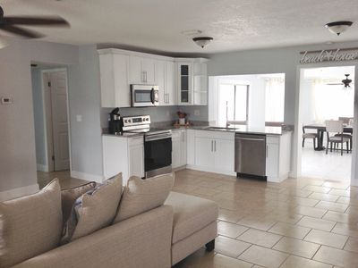 Beach Retreat - 3/2 Home with Private Pool 3.5 miles from Clearwater Beach