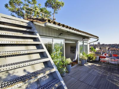 Photo for Wonderful apartment w/ rooftop and breathtaking view on Bordeaux - Welkeys