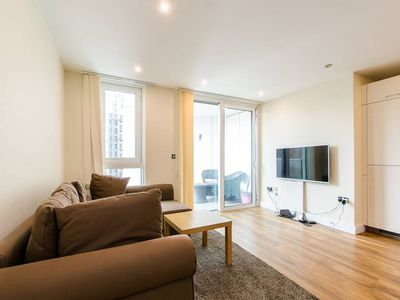 Photo for A stunning one bedroom in Aldgate east