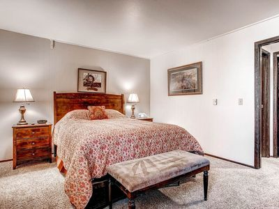 Photo for Terrific 1 Bedroom Condo with Alpine Decor and Modern Amenities