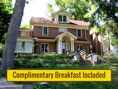 Photo for Fabulous Niagara Gorgeview Vacation Rental with Complimentary Breakfast