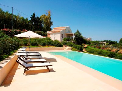 Photo for Charming country house with pool near the beach, 3 bedrooms - Selinunte.
