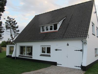 Photo for Villa Sunshine: Luxurious holiday home 400m from the sea on the Belgian coast