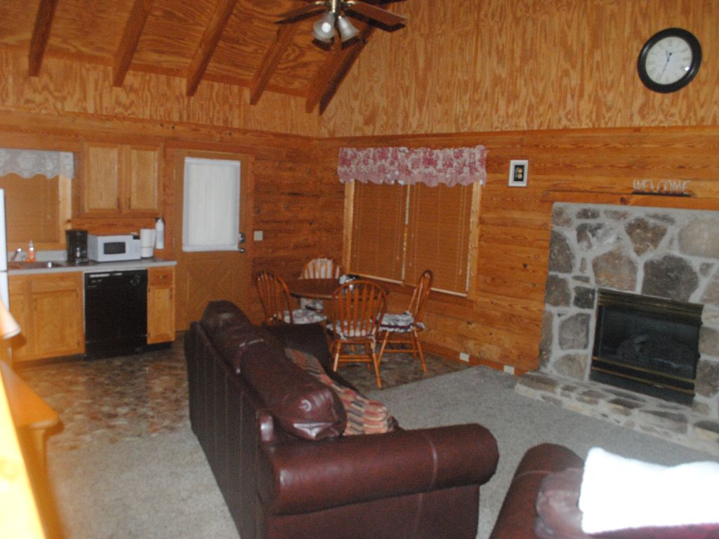 Winter special log cabin near pigeon forge and gatlinburg for Tennessee winter cabins