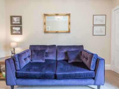 Photo for 1BR Apartment Vacation Rental in Edinburgh, Scotland