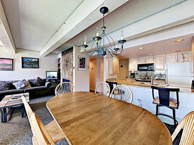 Photo for 4 Beds in this 2BR/2BA Condo with Outdoor Pool and Hot Tub