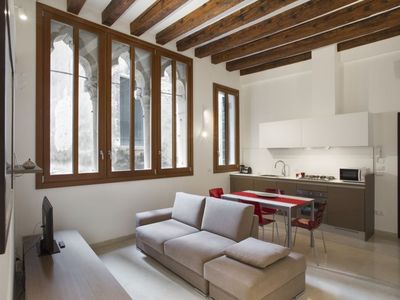 Photo for Bartolo 2 a vintage apartment with a charming Venetian atmosphere near of Rialto