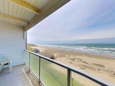 Photo for Oceanfront Nye Beach condo with views of ocean & lighthouse - great location!