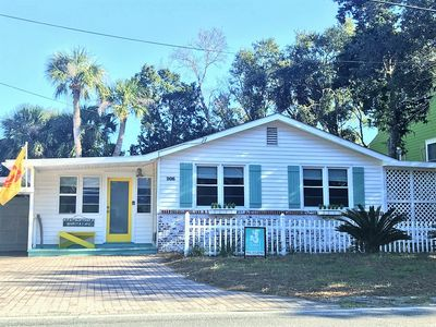Photo for Beach Bubble Bungalow circa 1950: 4  BR, 2  BA Cottage in Tybee Island, Sleeps 8