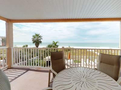 Photo for Corner waterfront condo w/ shared pool, Gulf views - easy beach access