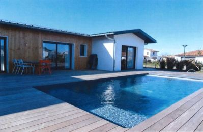 Photo for Villa with heated pool Beaches and Golf courses 5 minutes.